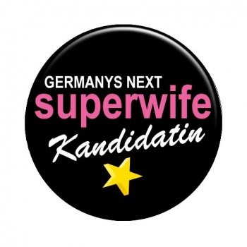 JGA Buttons Superwife Kandidatin